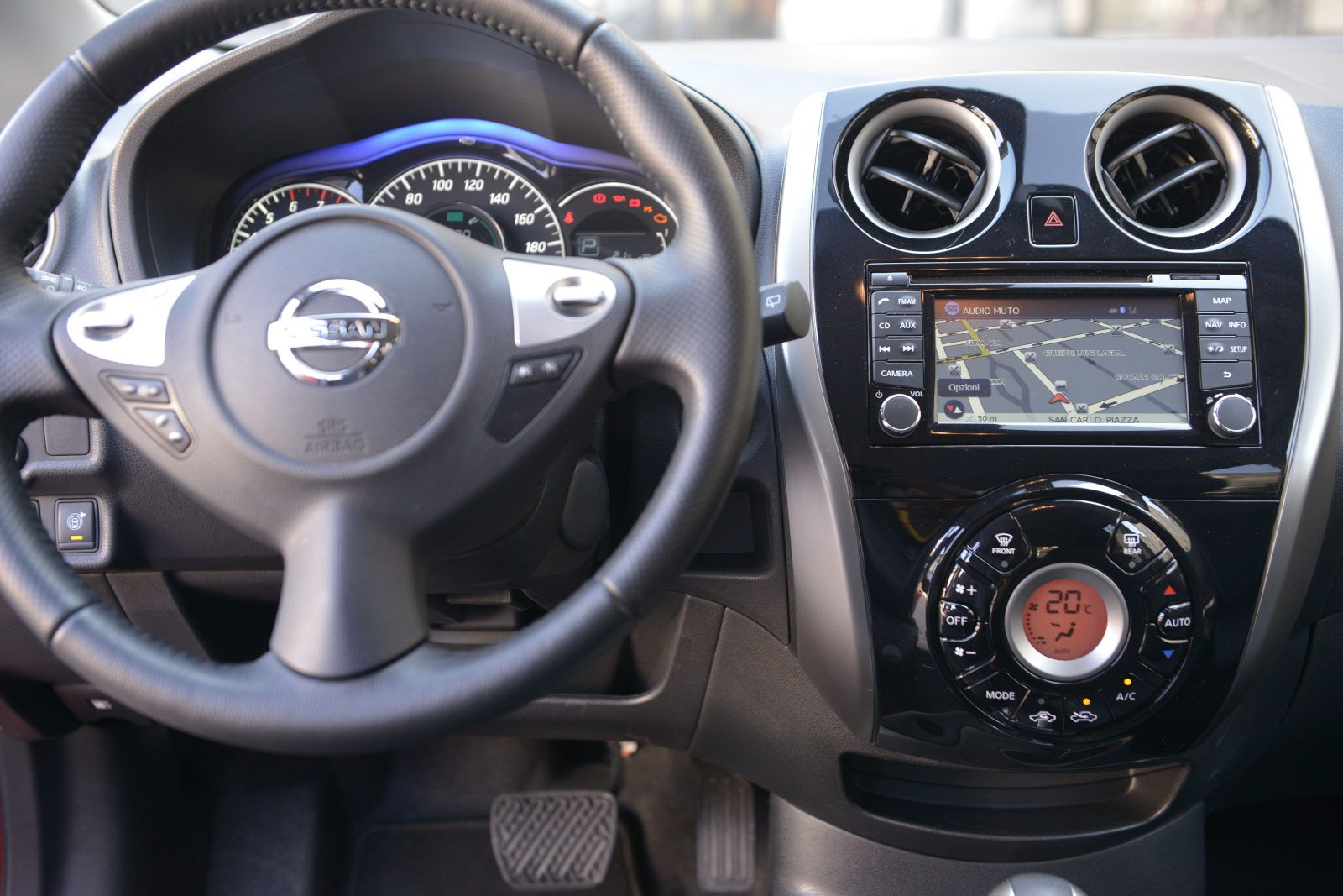 nissan-note-012_01