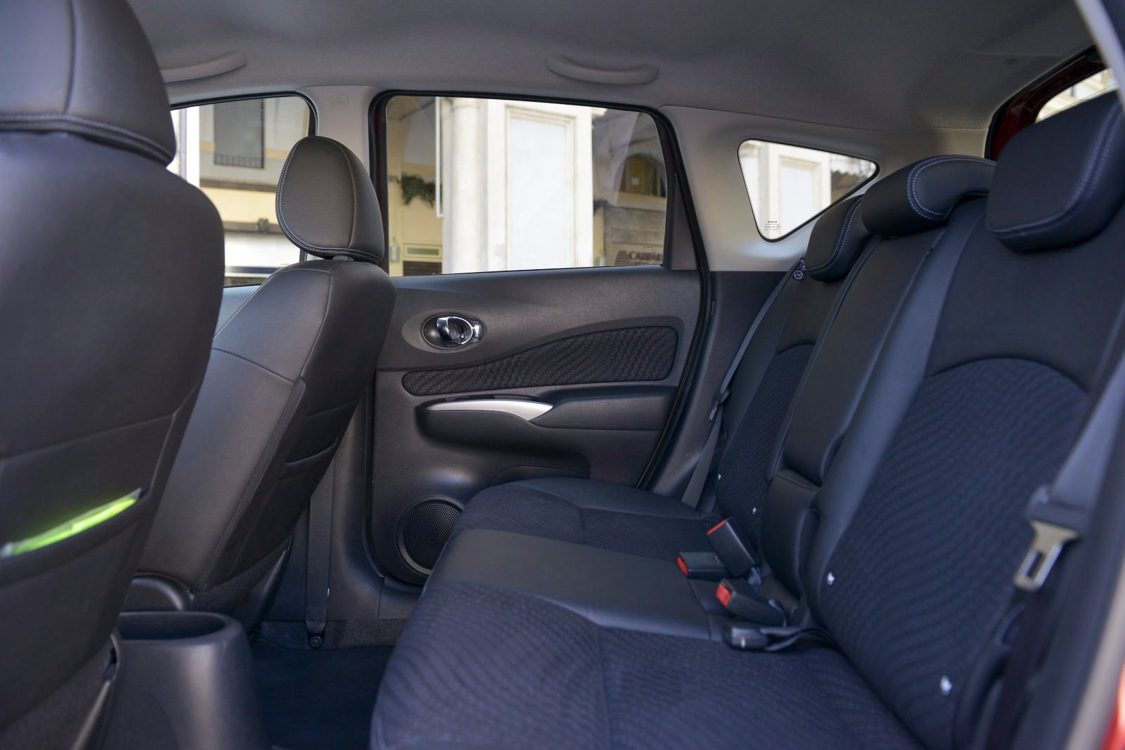nissan-note-017_01