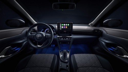 500_toyota-new-yaris-cross-interior-2