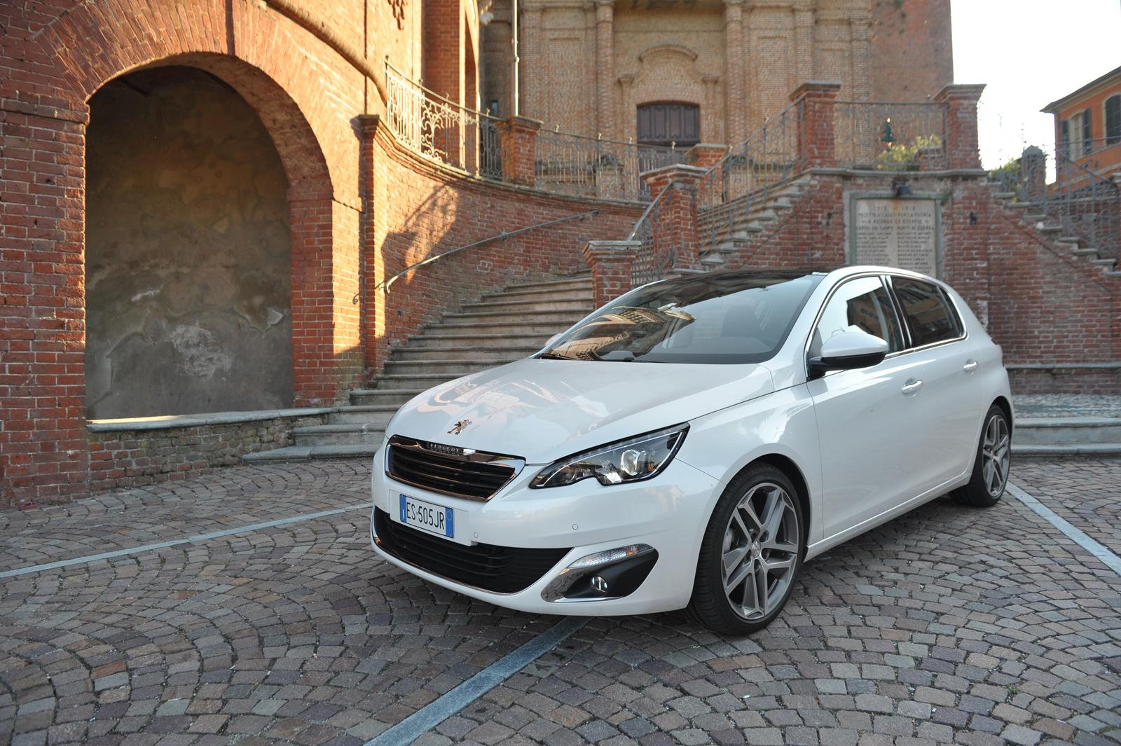 Nuova Peugeot 308 Il Dossier